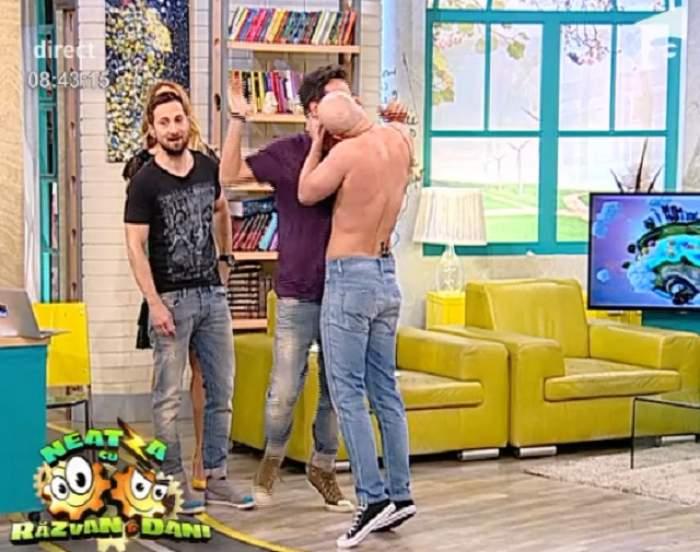 VIDEO / Rămâi mască! Mihai Bendeac l-a sărutat pe Răzvan Simion, în direct!