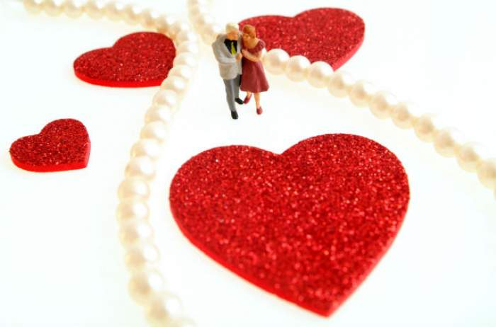 FECIOARELE fac daruri inspirate! Horoscopul dragostei, în săptămâna 21 - 27 decembrie