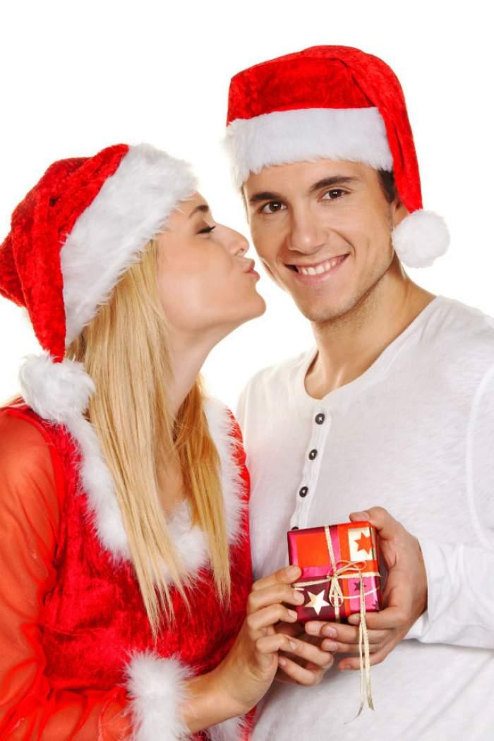 Nu ai apucat să-i cumperi iubitului tău un cadou de Crăciun? Iată 50 de idei originale! Cel puțin una este sigur potrivită pentru tine