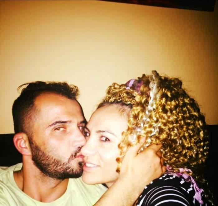 FOTO / S-a împăcat cu fostul soţ, iar acum se înţeleg de minune! Imagini inedite cu Bianca Roman şi iubitul ei de Crăciun