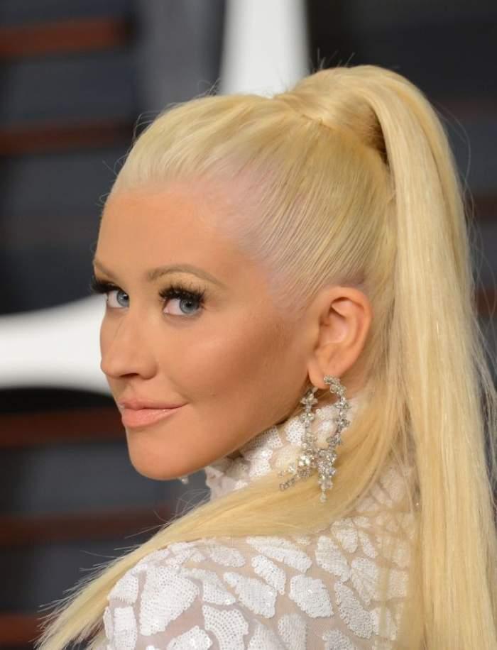 "FOTO / Miss Piggy! Christina Aguilera s-a făcut cât casa! Are ditamai ""bombeul""!"