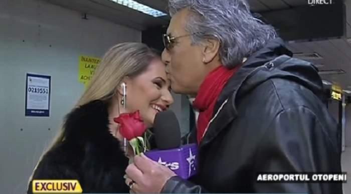 """VIDEO / Toto Cutugno, răpit de frumuseţea unei jurnaliste: """"Vă prezint logodnica mea româncă"""""""