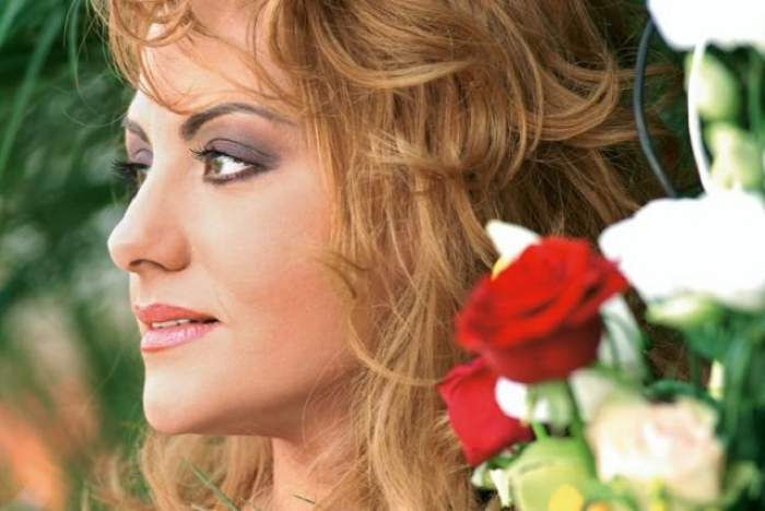 VIDEO / Oana Turcu nu a mai mers de 20 de ani la cosmetică! Cum a reuşit să scape de coşuri
