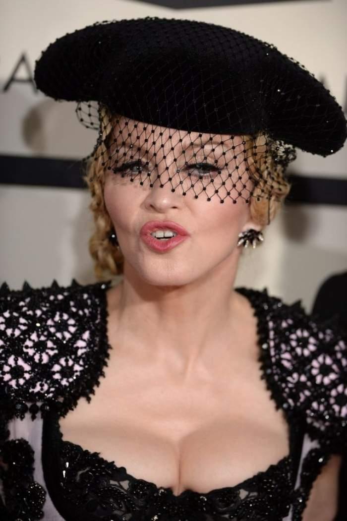 """VIDEO / Madonna, confesiune şocantă! Artista şi-a învăţat fiica cum să se drogheze: """"Da, am făcut-o"""""""