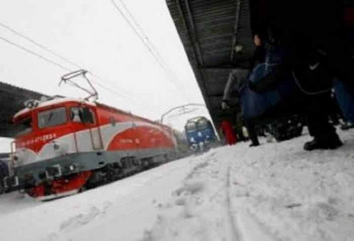 C.F.R a anulat aproximativ 20 de trenuri din cauza condiţiilor meteo nefavorabile