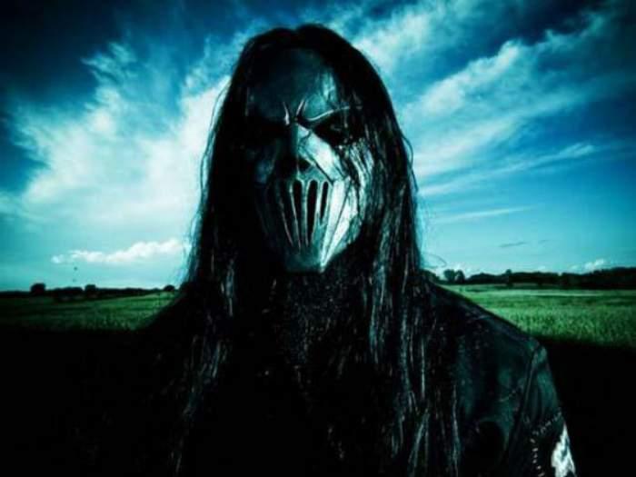 VIDEO / Şocant! Chitaristul trupei Slipknot, înjunghiat în cap de fratele său! Află care este starea lui de sănătate!