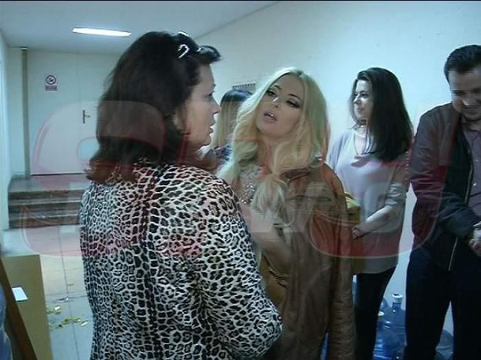 VIDEO / Cel mai emoționant concert al Deliei! Mama artistei s-a zguduit de plâns, alături de toată Sala Palatului