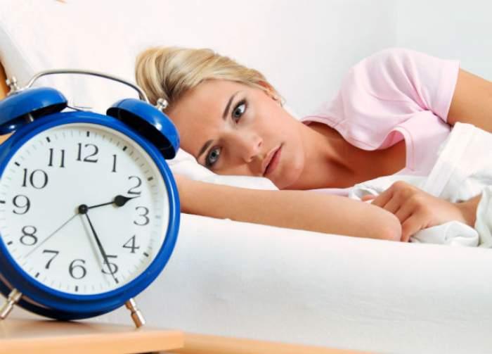Ai probleme cu somnul? Învaţă să adormi într-un minut, urmând câţiva paşi simpli