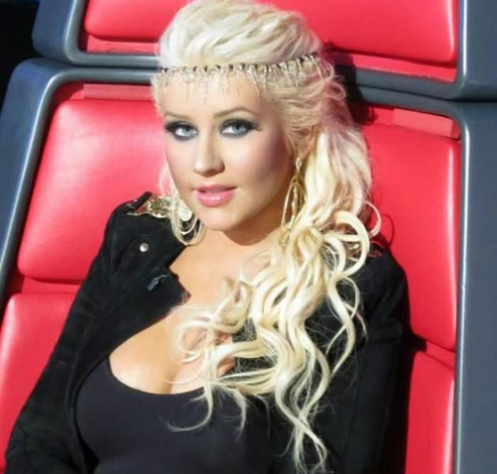 Christina Aguilera şi-a schimbat radical look-ul! Este de nerecunoscut