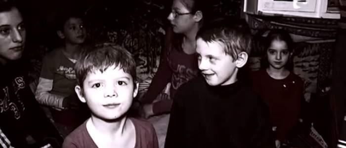 VIDEO / Din grajd, în casă! Familia Loba, lacrimi de fericire, în noul lor cămin