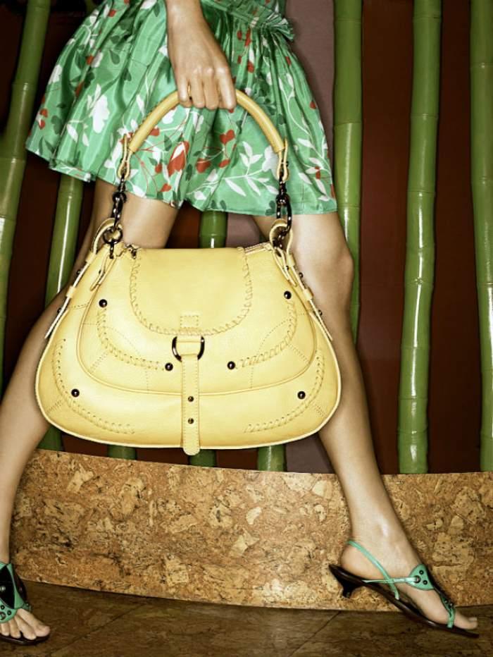 Oana Turcu te învaţă cum să îţi pregăteşti picioarele pentru vară! Scapă de bătături cu un tratament simplu