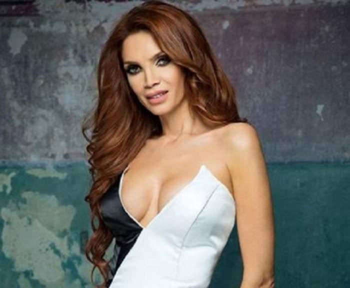 Cristina Spătar, cu sânii pe afară, de la primele ore ale dimineţii! Priveliştea care te lasă fără suflare