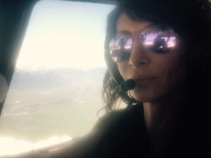 """FOTO / Mihaela Răduleascu face cursuri de pilotaj: """"Vreau, pot şi asta-mi place cel mai mult la viața mea"""""""