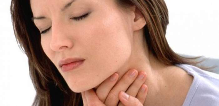Cum scapi de durerea în gât într-un minut! Încearcă acest remediu natural
