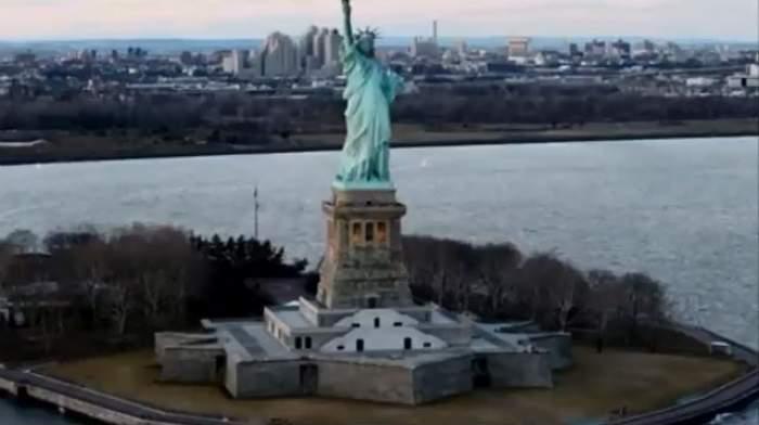 VIDEO / Clipe de groază! Statuia Libertăţii, evacuată în urma unei AMENINŢĂRI cu bombă