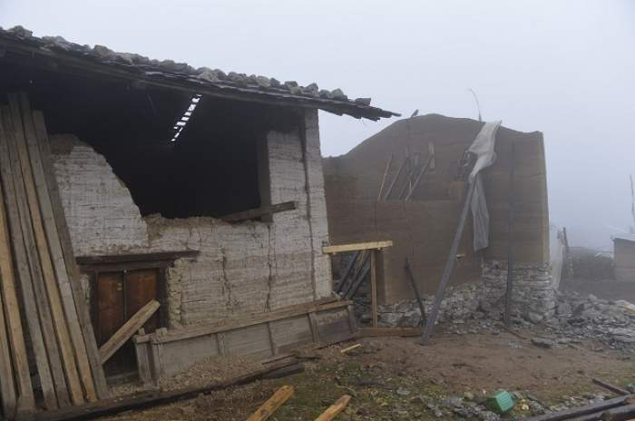 Bilanţul seismului din Nepal: peste 2500 de morţi! Alţi 9 români au fost localizaţi