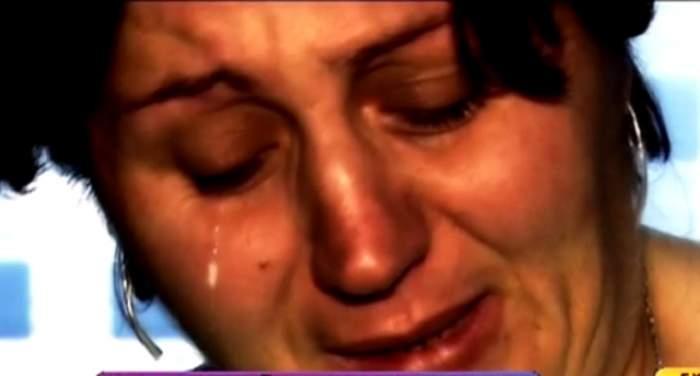 VIDEO / O mamă trăieşte o suferinţă de 15 ani! A fugit de acasă după ce soţul a încercat să o ucidă, iar acum îşi caută disperată copilul!