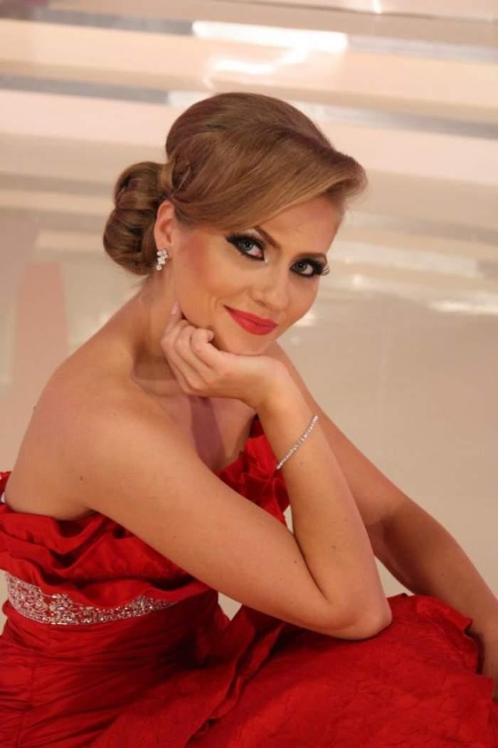 """Cum arată o zi din viaţa Mirelei Boureanu în afara emisiunii """"Mireasă pentru fiul meu""""! Carla Maria creşte cât vezi cu ochii"""