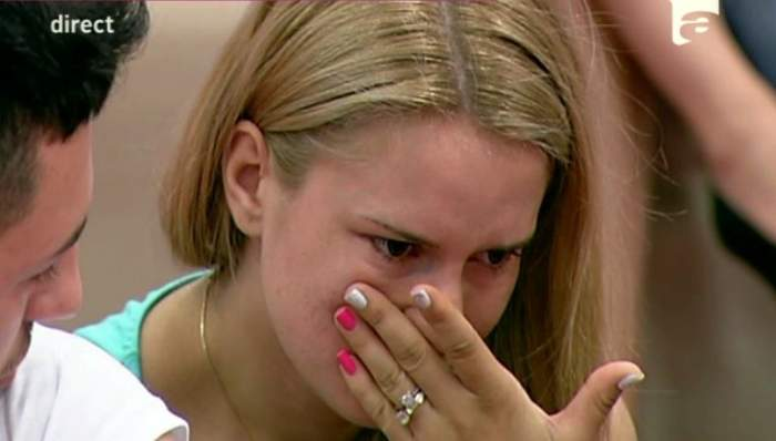 """Elly de la """"Mireasă pentru fiul meu"""", în pragul disperării! Concurenta a izbucnit în lacrimi şi a fost la un pas să renunţe la competiţie"""