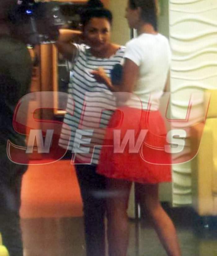 FOTO & VIDEO / Primele imagini cu Andra şi fiica ei, după ce au fost externate