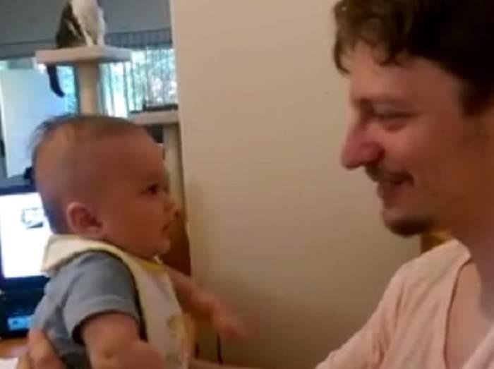 """VIDEO VIRAL / Un bebeluş îi spune """"TE IUBESC"""" tatălui, la trei luni! Momentul este, pur şi simplu, copleşitor"""