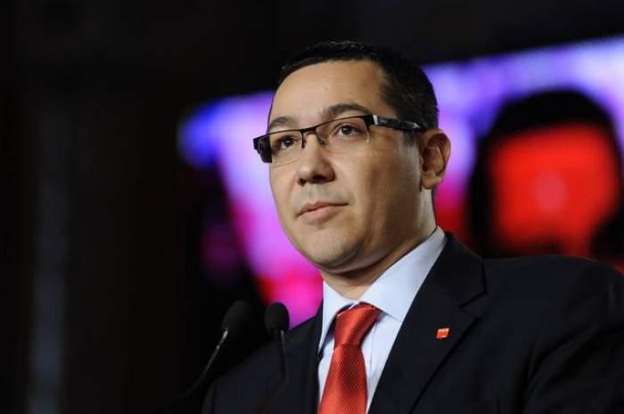 VIDEO / Victor Ponta s-a întors în ţară total schimbat! Cu barbă şi în cârje, premierul e de nerecunoscut