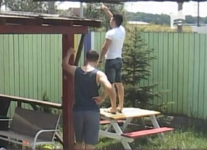"""VIDEO / Surpriză neaşteptată la gardul casei """"Mireasă pentru fiul meu""""! Cine i-a vizitat pe concurenţi?"""