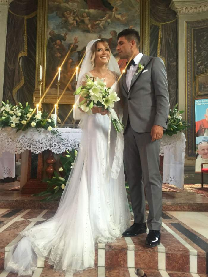 Detalii picante şi imagini fabuloase de la nunta Laurei Cosoi! Cum a arătat meniul invitaţilor?