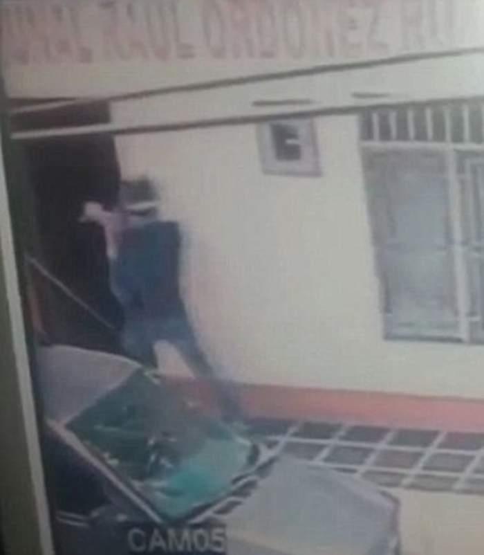 VIDEO / Imagine şocante! Camerele de vederi au surprins TOT! O jurnalistă din Columbia a fost împuşcată în cap!