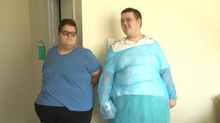 """Povestea şocantă a doi adolescenţi care cântăresc împreună peste 340 de kilograme! """"Vreau să devin un copil normal!"""""""
