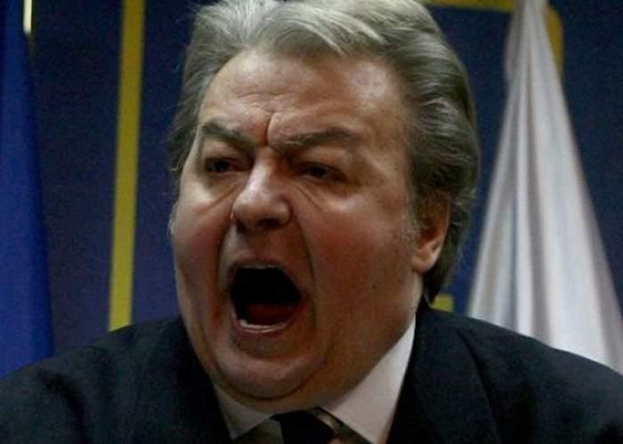 """Vadim Tudor se răsuceşte în mormânt de furie! Cine i-a plătit înmormântarea """"Tribunului"""""""