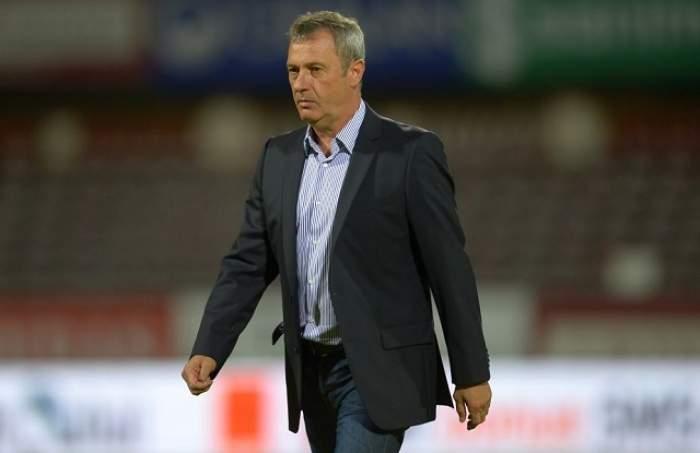 """Veşti proaste pe Mircea Rednic! Ce a păţit antrenorul """"câinilor"""" după meciul cu CFR!"""