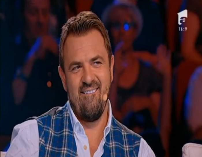 """VIDEO / Ritual de """"EXORCIZARE"""" pe scena X Factor! Un concurent l-a făcut pe Horia Brenciu să cadă sub masă cu prestația sa"""