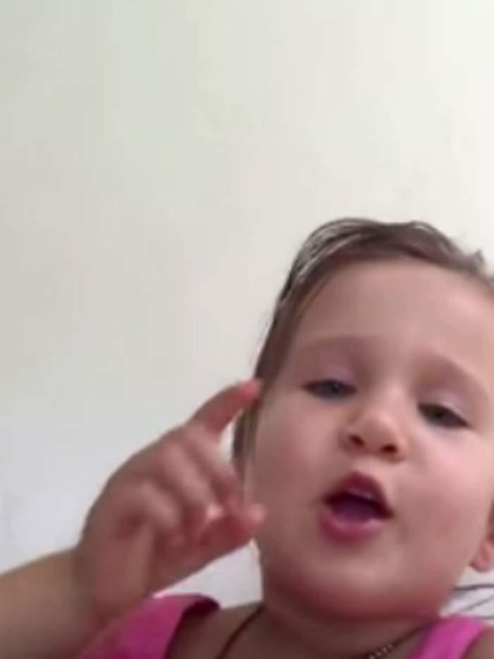 VIDEO / A topit inimile internauţilor! O fetiţă îi explică tatălui ei de ce ea nu este o prinţesă
