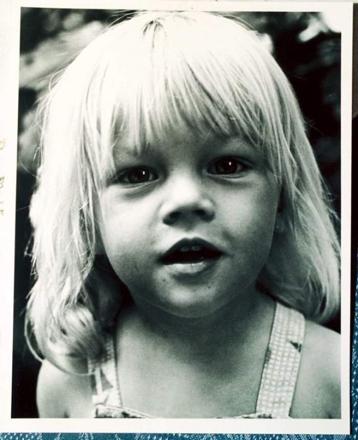 Nu o să recunoaşteţi niciodată personajul din imagine! Acum a crescut şi este unul dintre cei mai râvniţi actori de la Hollywood!