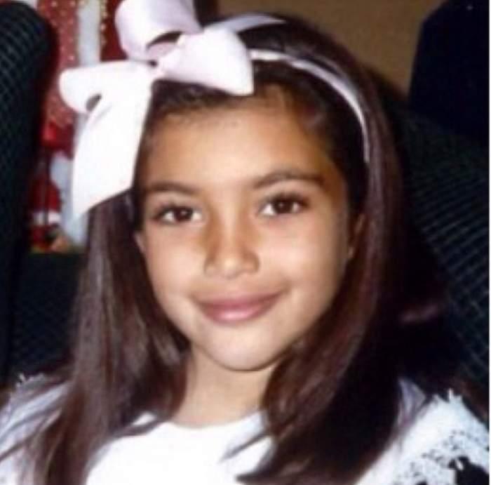 Aşa arăta la doar 7 ani, iar acum este una dintre cele mai dorite femei din lume! O recunoşti?