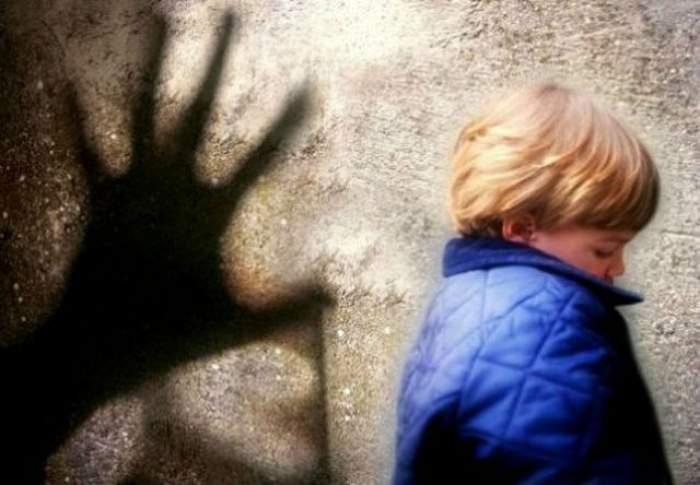 ULUITOR. S-a întâmplat în România. Hoţul a intrat în casă ca să fure, dar apoi a încercat să violeze un copil!