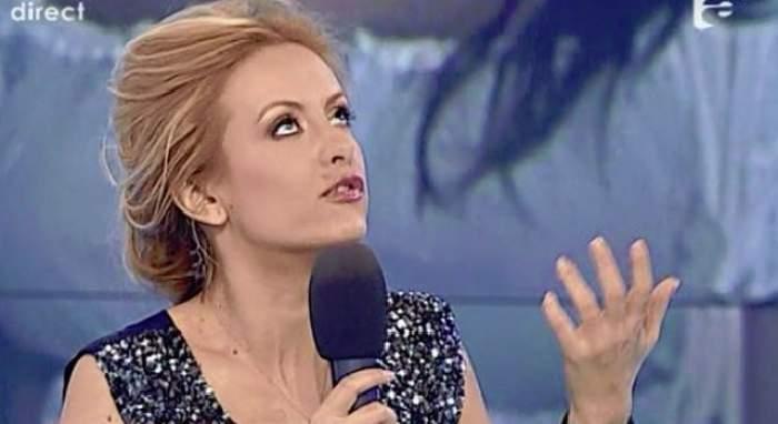 """Simona Gherghe, revoltată: """"Mulţi analfabeţi, cu wc în fundul curţii, fără electricitate, fără apă caldă..."""""""