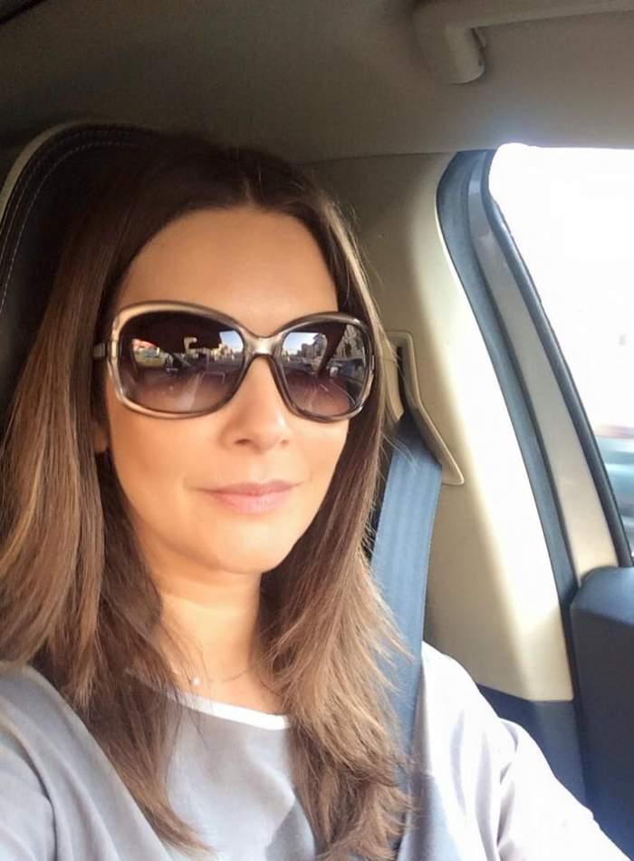 """Andreea Berecleanu, mesaj dur pe Facebook: """"Durerea dumneavoastră este aceea ca eu am «bolid de lux, euro şi telefon scump»"""""""