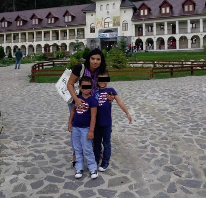 Copiii Adrianei Bahmuţeanu, pe drumul cel bun. Ce progrese fac după ce au fost mutaţi la altă şcoală!