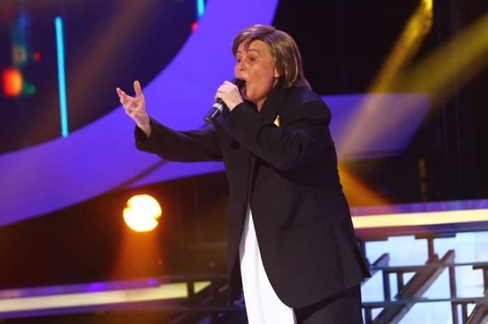 """O recunoşti? E una dintre cele mai cunoscute românce şi face show la """"Te cunosc de undeva"""""""