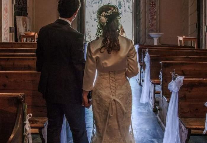 """Anunţul care te face să te cruceşti: """"URGENT! Se caută invitaţi pentru nuntă! Mesenii să aibă studii superioare!"""""""