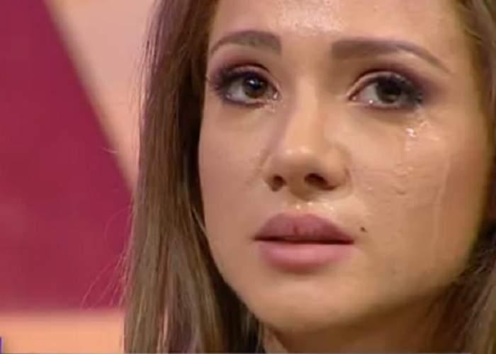 Otilia Bilionera, în lacrimi la televizor! Despărţirea de iubitul turc a băgat-o în depresie!