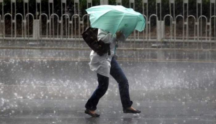 Vine furtuna! Meteorologii au emis COD GALBEN de ploi şi descărcări electrice