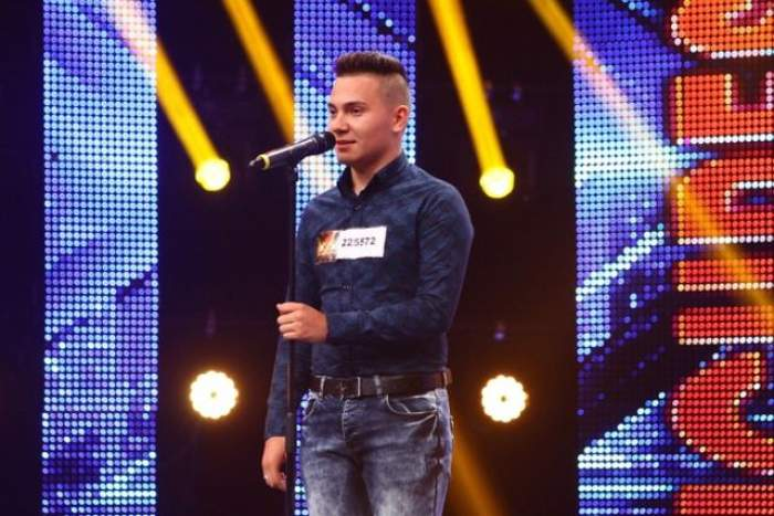 """VIDEO / Noua senzaţie se numeşte FLORIN RĂDUŢĂ! """"M-ai şocat""""/ """"Sunt KO""""/ """"Ai cea mai bună voce din România"""". Asta înseamnă X Factor"""