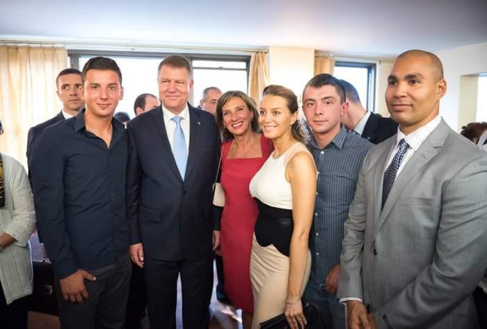 Carmen Iohanis le-a luat ochii tuturor! Cum s-a afişat la o întâlnire cu românii din America