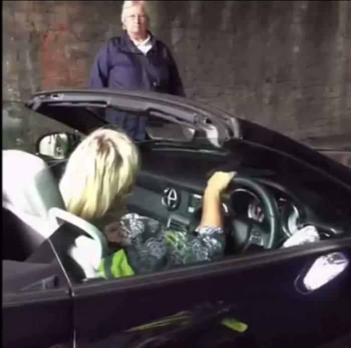 VIDEO / Au stat jumătate de oră blocaţi în trafic! Motivul e hilar