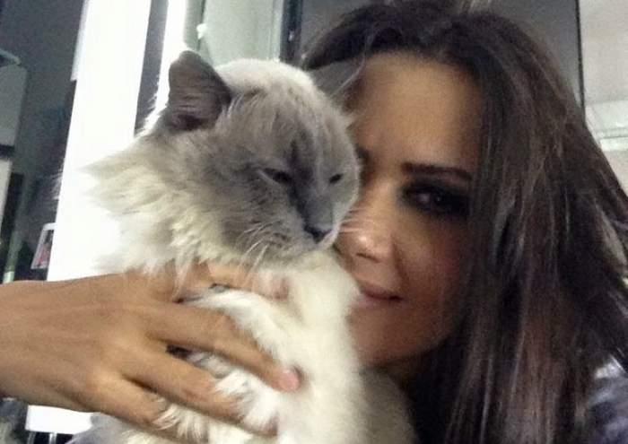Oana Zăvoranu, disperată! Bruneta îşi strigă durerea şi cere ajutorul prietenilor de pe Facebook