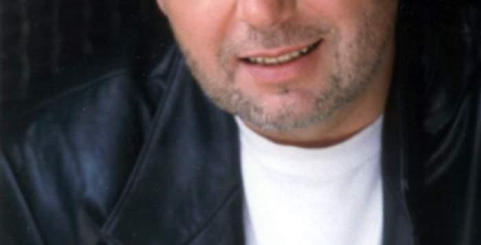 A MURIT actorul şi cântăreţul Michael Burgess