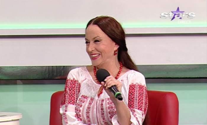 MIT DĂRÂMAT. Maria Dragomiroiu a renunţat după zeci de ani să mai facă asta. Am aflat secretul PĂRUL EI LUNG şi SĂNĂTOS